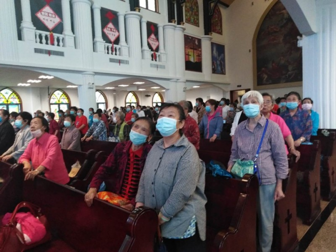 Baoji Shilipu Church held a special worship service to celebrate Father's Day on June 21, 2020.