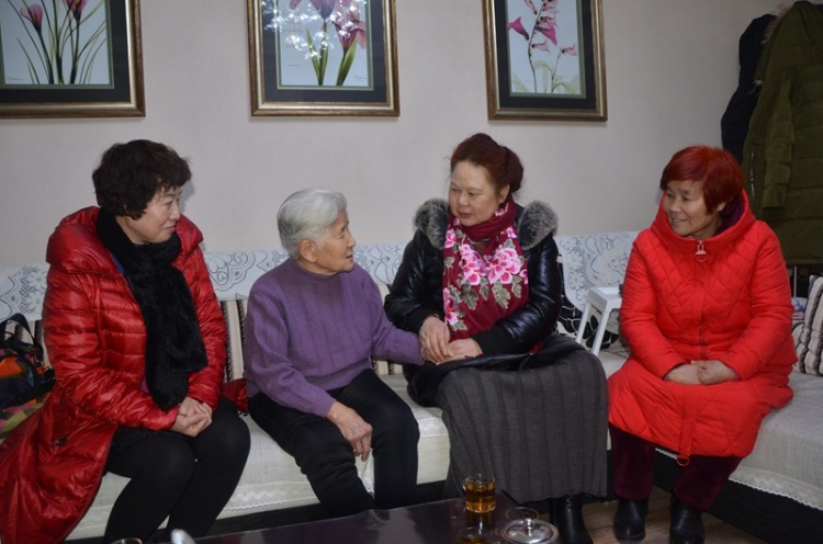 Sister Shao Qingrong was paid a home visit one evening before this year's Spring Festival that fell on January 25, 2020 in Baoji, China's northern Shaanxi Province.