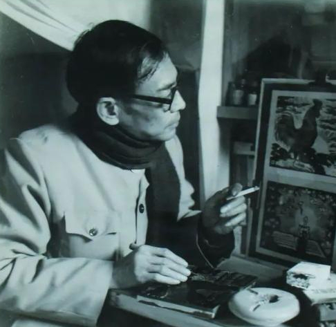 Mr. Zheng Kunsong stared at his woodcut works during his lifetime.