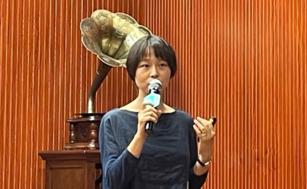 Jiang Linjing, an associate professor of German Language and Literature Department of Fudan University, gave an open lecture about German and Austrian Classical Music in Shanghai, on June 4, 2021.