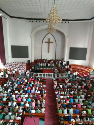 People received baptism in Shijiazhuang Church, July 22, 2018.